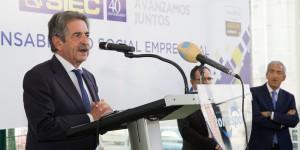 3 El presidente de Cantabria Miguel Ángel Revilla durante su discurso